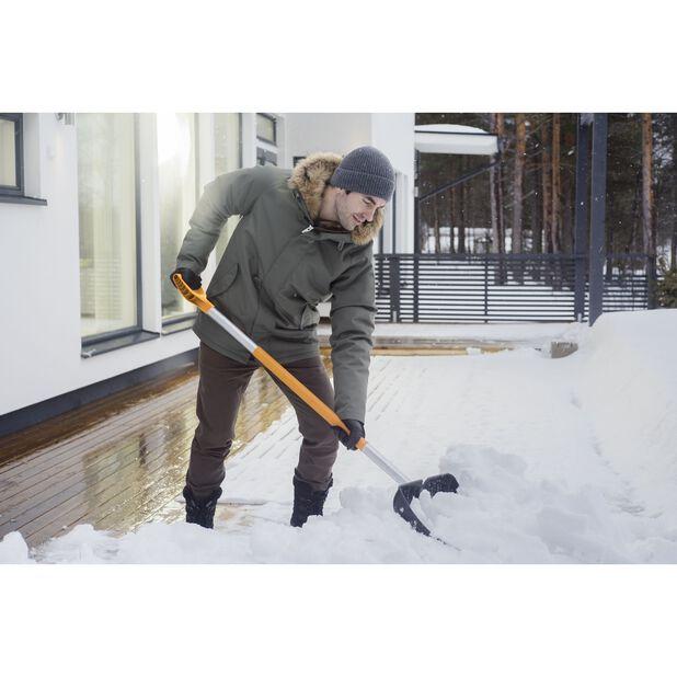 Lumilapio SnowXpert™ Fiskars, Leveys 53 cm, Musta